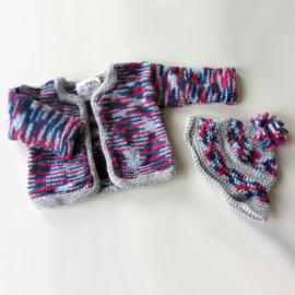 Jas + muts + sokjes in roodwitblauw met grijs (maat 62-68)
