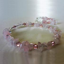 Armband + oorbellen van rozenkwarts met roze kristallen