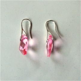 Oostenrijks kristal in roze aan verzilverde haken