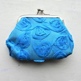 Knip van blauwe organza (9 x 9 cm)