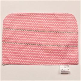 Roze met witte en blauw golfjes