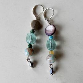 Parelmoer met acryl, natuursteen en kristal
