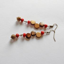 Rood en bruin keramiek met bruine jaspis (8 cm lang)