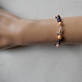Armband van oranje en zwarte zoetwaterparels (17,5 cm)