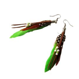 Lichtgroene veren en kraaltjes (ongeveer 8 cm)