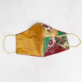 Goud zijde/patchwork mondkapje (double face) met goud elastiek