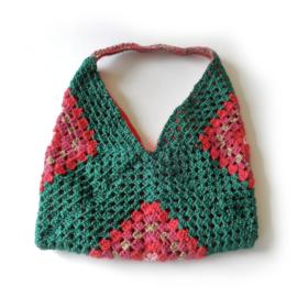 Gehaakte tas in groen en roze (31 x 31 - de uitsparing)
