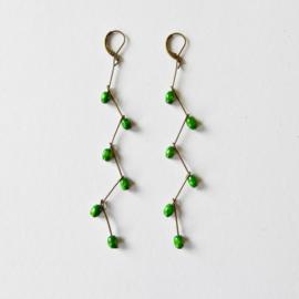 Wooden Emerald green grapes