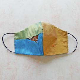 Patchwork van zijde/goud zijde mondkapje (double face) met dun zwart elastiek