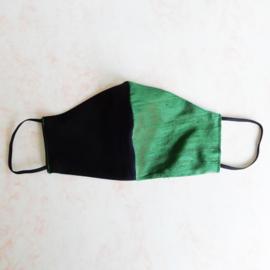 Zwart/groen mondkapje van cool wool en ruwe zijde  (double face) met zwart elastiek