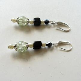 Kristal met onyx en brede zilveren haken