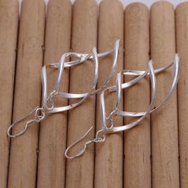 Lange verzilverde oorbellen en super lichtgewicht (7 cm)