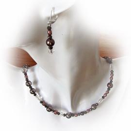 Ketting en oorbellen van verschillende soorten bruine zoetwaterparels en kristal (45 cm lang)