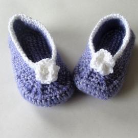 Lila gehaakte meisjesschoenen van katoen, voor maat 80-86