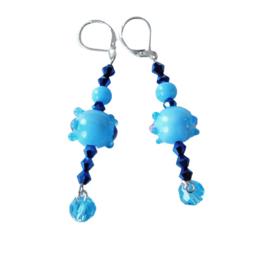 Blauw glas met kristallen