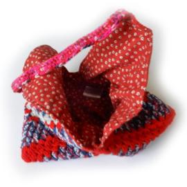 Gehaakte tas in rood-wit-blauw met grijs (35 x 35 cm - de uitsparing)