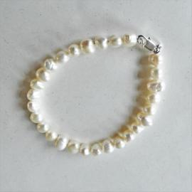 Witte zoetwaterparels (19 cm)