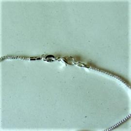 Zilveren ketting met vierkante schakels (43 cm)