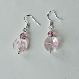 Glaskralen met een beetje roze