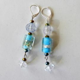 Blauwe glaskraal met acryl en kristallen