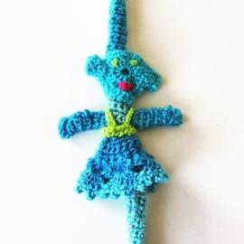 Blauw speenkoord met vrouwtje en witte houten clip