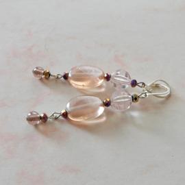 Oud-roze glas met kristallen (7 cm lang)