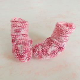 Gebreide sokjes, roze gemêleerd (voor maat 62 68)