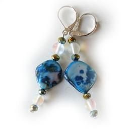 Parelmoer in blauw met maansteen en kristallen