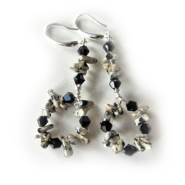 Dalmatiër jaspis met zwarte kristallen