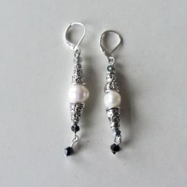 Tibetaans zilver met zoetwaterparels en kristal