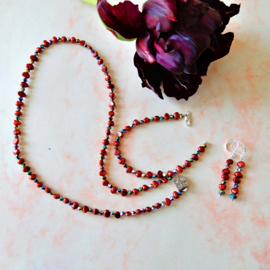 Ketting + armband + oorbellen van rode zoetwaterparels met kristal (50 cm)