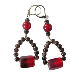 Rode en bruine glaskralen