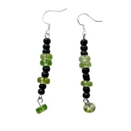 Groene  en zwarte kralen van glas