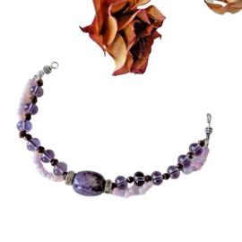 Armband van lila glas met een grote amethist (18,5 cm lang)