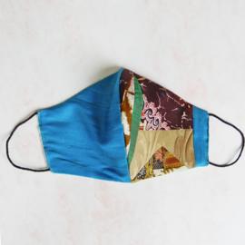 Blauwe zijde/patchwork mondkapje (double face) met dun zwart elastiek