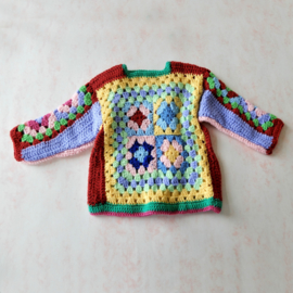 Trui van gekleurde granny squares in maat 74