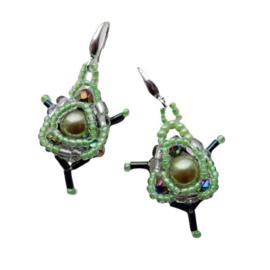 Groene parel met kristal en glaskralen aan haken van sterling zilver