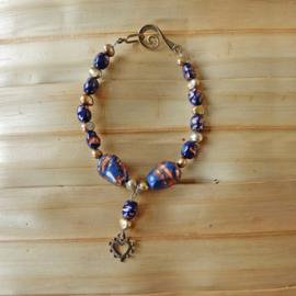 Blauwe goudsteen met zoetwaterparels (23 cm lang)
