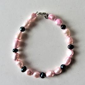 Roze en zwarte zoetwaterparels (18,5 cm)