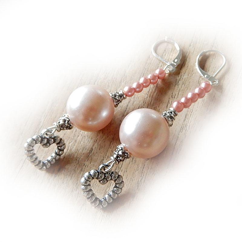Roze parelkralen met hangend hartje (superlicht)