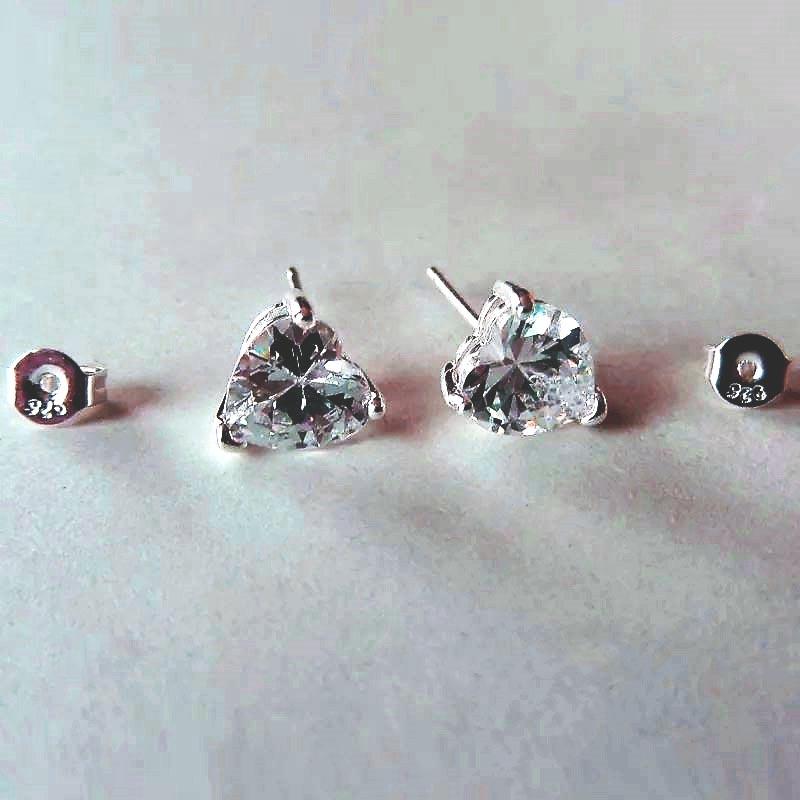Zirkonia hartjes in zilver