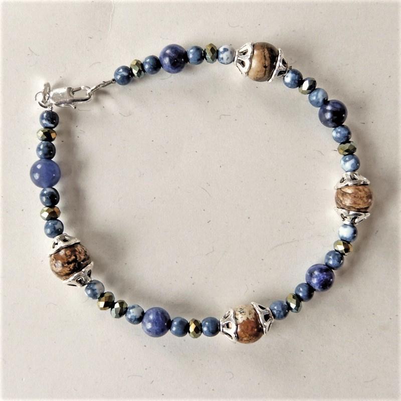 Armband van bruine jaspis met blauwe natuursteen en kristal (21 cm)