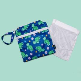 Cheeky Wipes doppelte Mini-Wetbag mit Wäschenetz - Turtles
