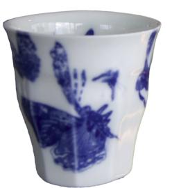 blauw wit porcelein cappuccinno kopje, Vlinders