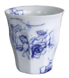 blauw wit porcelein cappuccinno kopje, Bloemen