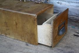 Vintage houten archiefbak/kaartenbak