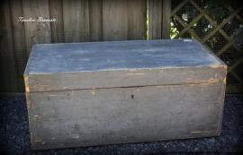Oude industriële houten transportkist (grijs)