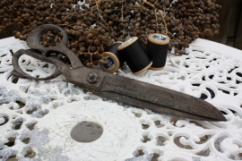 Grote antieke stoffenschaar/kleermakersschaar (31 cm)