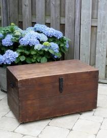 Oud houten opbergkist