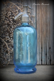 Mooie heldere blauwe spuitfles